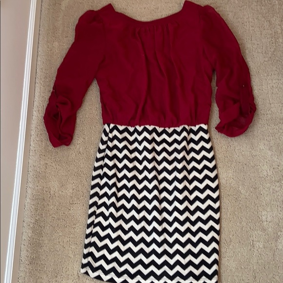Ruby Rox Dresses & Skirts - Ruby Rox red and black and white chevron dress S